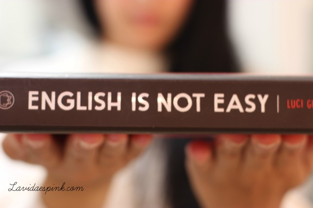 Libro English is not easy , aprende divirtiéndote